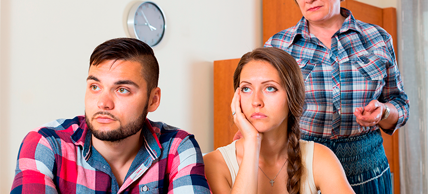Cuando la interferencia de los familiares perjudican la relación